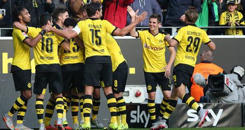 Dortmund đang chơi thứ bóng đá quyến rũ nhất châu Âu