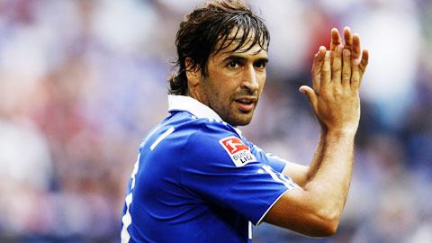 Raul Gonzalez giải nghệ bóng đá lại mất đi một huyền thoại