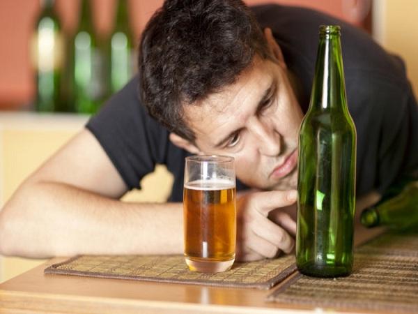 Mơ thấy say rượu có ý nghĩa gì? Đánh con số nào trúng?