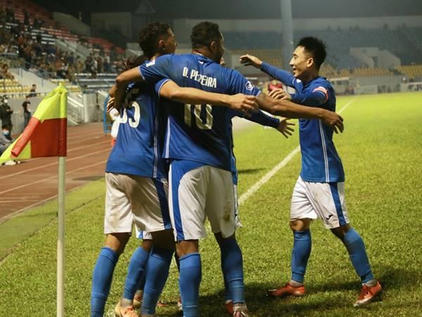 Bóng đá VN 10/4: Cầu thủ Than Quảng Ninh muốn bỏ V-League