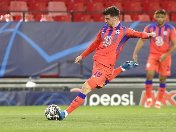 Bóng đá quốc tế sáng 10/4: HLV Thomas Tuchel bị chỉ trích vì Mason Mount